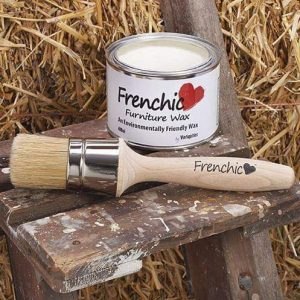 FRENCHIC-LARGE-WAX-BRUSH