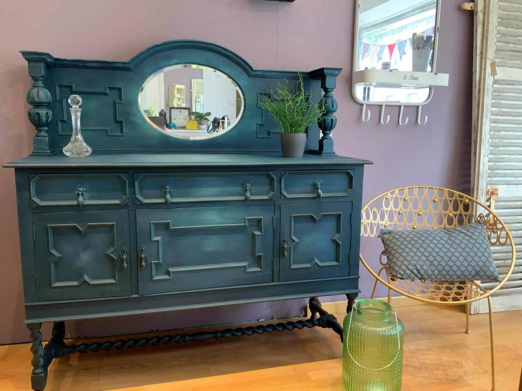 BELLE-VINTAGE-UPCYCLED-FURNITURE-LESLEY-MANCHESTER-VOYCE-FRECHIC-PAINT-FRENCHIC-STENCILS-FRENCHIC-FINISHES
